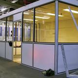 Cabine - Domo - Gevormd door scheidingswanden te combineren met bestaande muren en plafond elementen