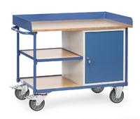 """""""<span>Intern transportmiddel: een magazijnwagen met twee etages en een opbergkast</span>"""" title=""""<span>Intern transportmiddel: een magazijnwagen met twee etages en een opbergkast</span>"""""""
