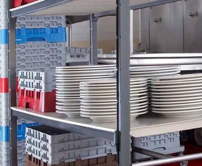 """""""Vlakke legbordplaten zijn iedeaal voor borden en keuken apparaten te stockeren."""" title=""""Vlakke legbordplaten zijn iedeaal voor borden en keuken apparaten te stockeren."""""""