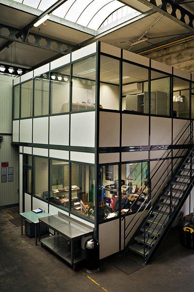 """""""Een nieuwe kantoorunit met een extra verdieping. volledig ingericht."""" title=""""Een nieuwe kantoorunit met een extra verdieping. volledig ingericht."""""""