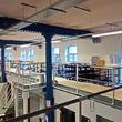 Tussenvloer voor opslag - VUB Brussel - oploop platform voor extra werkruimte