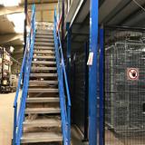 Tussenvloer op stelling - Epsivol - Toegang tot platform langs de zijkant