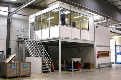 """""""Tussenvloer voor kantoor - Een kantoor gebouwd op een platform"""" title=""""<strong>Tussenvloer voor kantoor - Een kantoor gebouwd op een platform</strong>"""""""
