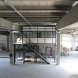 Tussenvloer voor kantoor - PMC - Vooraanzicht met trap en oploop platform